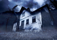 Haunted house_123RF.COM_.jpg